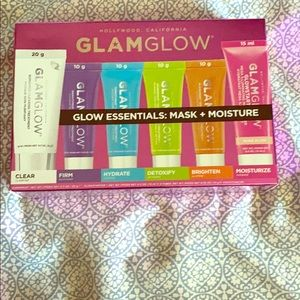 Glam glow mask and moisture